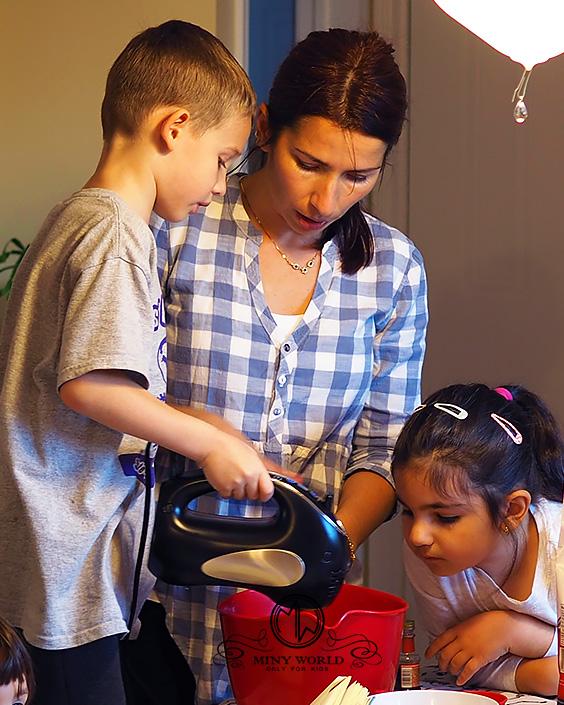 Jello_cookies_with_kids_45